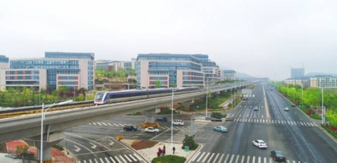Elevated railway line opens in Chinese port city of Qingdao