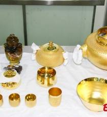 Qingdao customs seizes 7,640 grams of gold